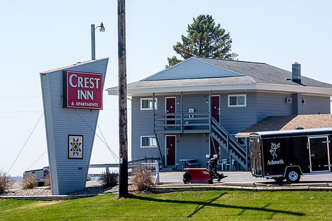 Crest Inn & Apartments