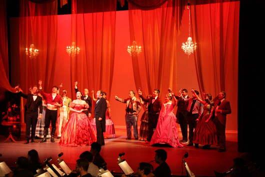 Traviata production by Director Anne-Jul