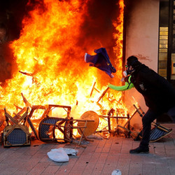 Chalecos amarillos: Una demostración de anarquismo sin ideales ni imaginación