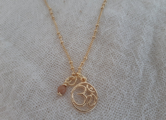Meditation Necklace with Mantra Om symbol - Collier Meditation, Mantra Om
