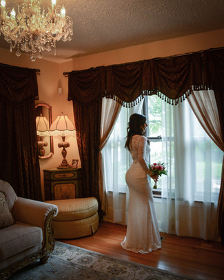 Bride in waiting, Victoria Wedding Chapel, Waterford, MI