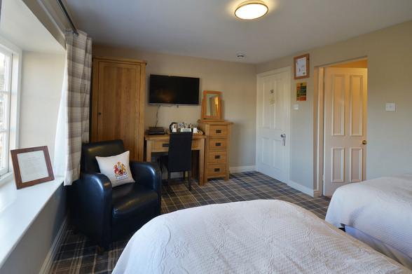 Room-8-3.jpg