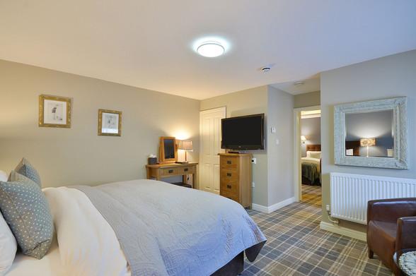 Room-10-2.jpg