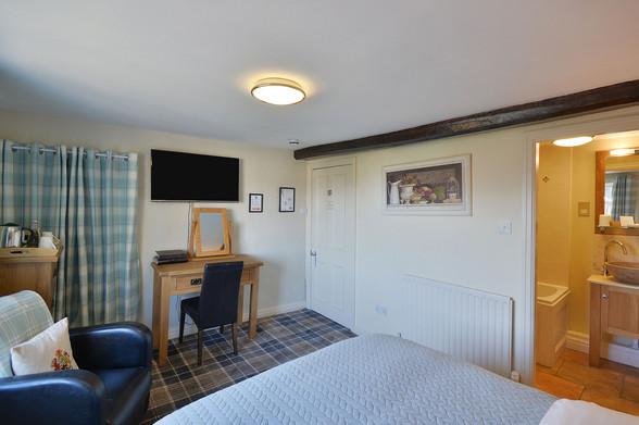Room-6-4.jpg