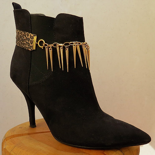 Spikes on Chain Accents Multi-Wear