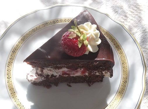 Chocolate-strawberry-cake