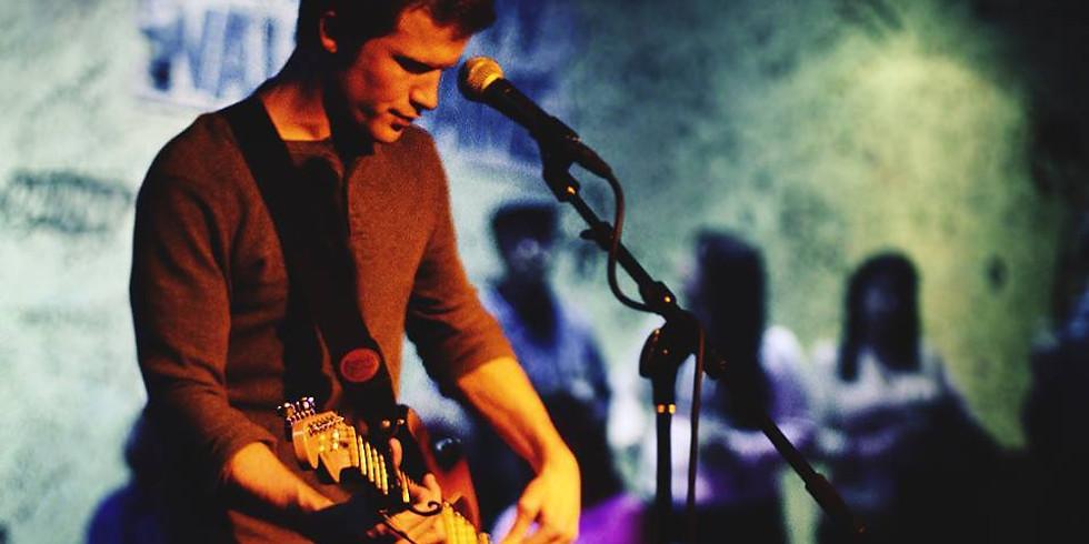 Live music with Kurt Lindsay