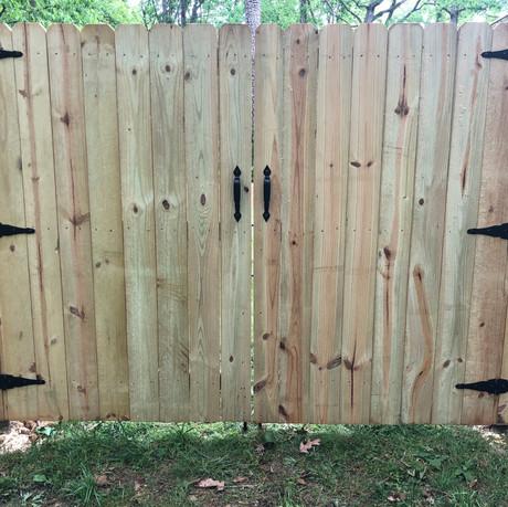 STRAP HINGE DOUBLE GATE