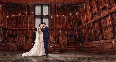 Bride & Groom Red Barn Reception - Red Oak Valley
