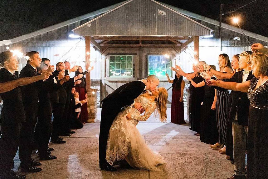 Indoor Outdoor Wedding Venue - Missouri