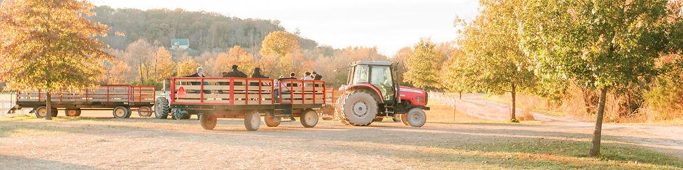 Fall hayrides by Brookdale Farms - St. Louis Hayrides - Eureka, MO