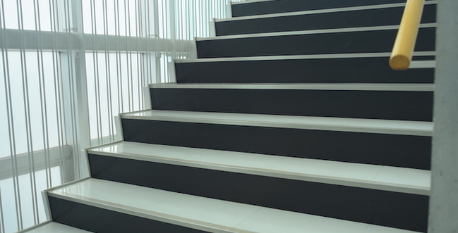 階段(2~3F)4