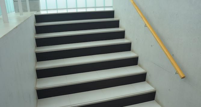 階段(2~3F)5