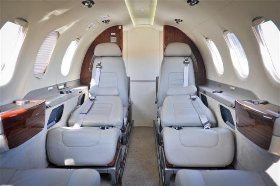 Embraer-Phenom-300_interior_flat-bed-seats-converted.jpg