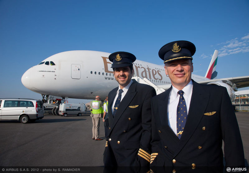 how much do pilots earn