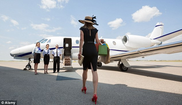 fly private jet.jpg