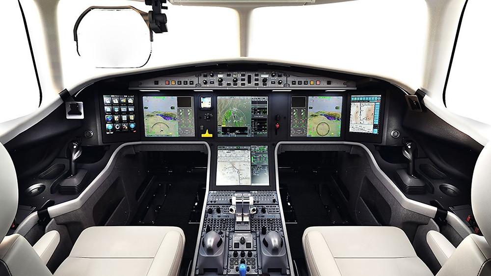 falcon 5x cockpit