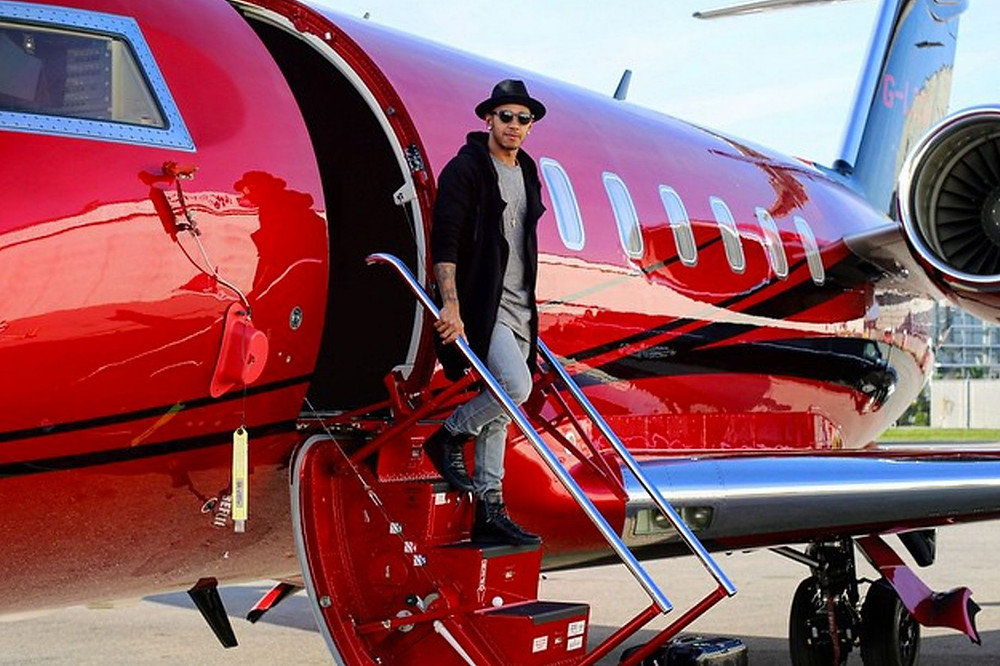 Professional athletes use private jet