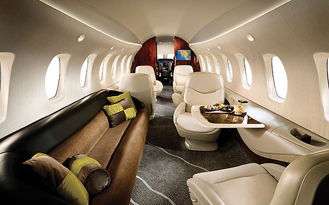 private jet In-cabin baggage storage