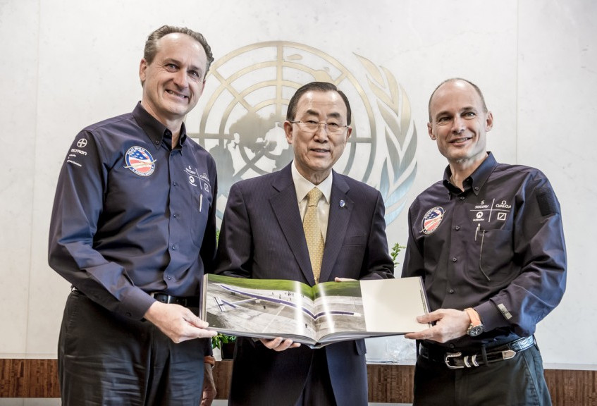 Borschberg,_at_the_United_Nations'_Paris_climate_summit_with_co-pilot_Bertrand_Piccard__