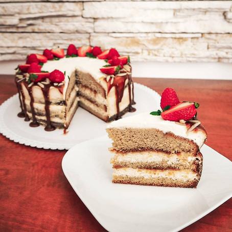 Šlehačkový dort se slaným karamelem