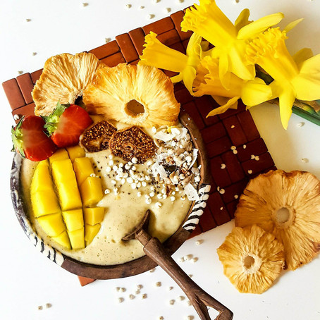 Banánovo-mangová smoothie bowl