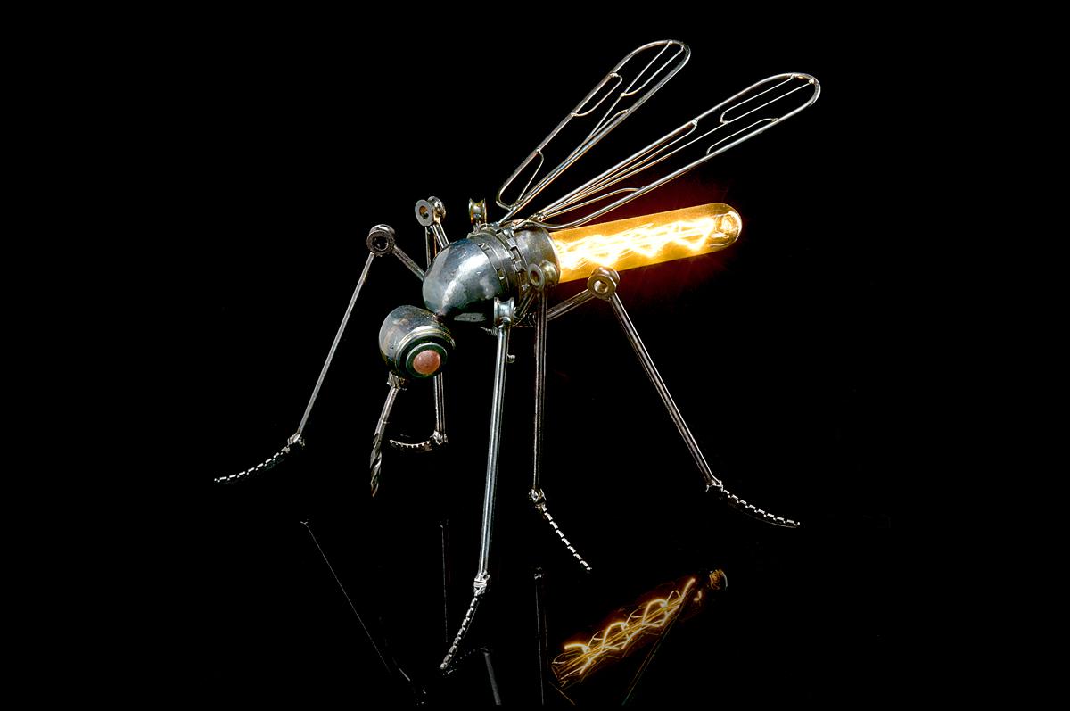 """Настольный светильник """"Комар"""""""