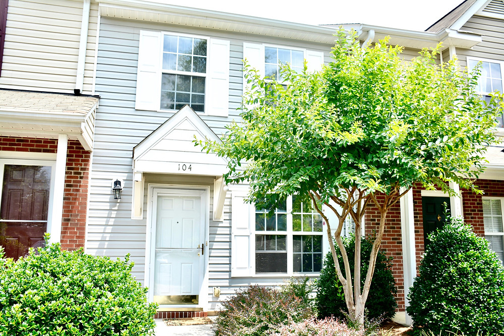 104 TANNENBAUM CIRCLE GREENSBORO NC FOR SALE BLUE ORCHID REALTY REAL ESTATE REALTOR
