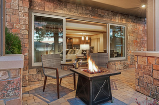 Suite patio.jpg