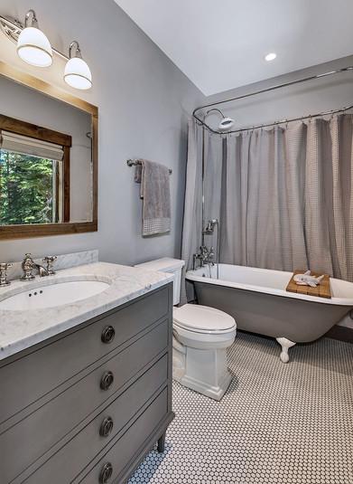 Kids Bathroom.jpg