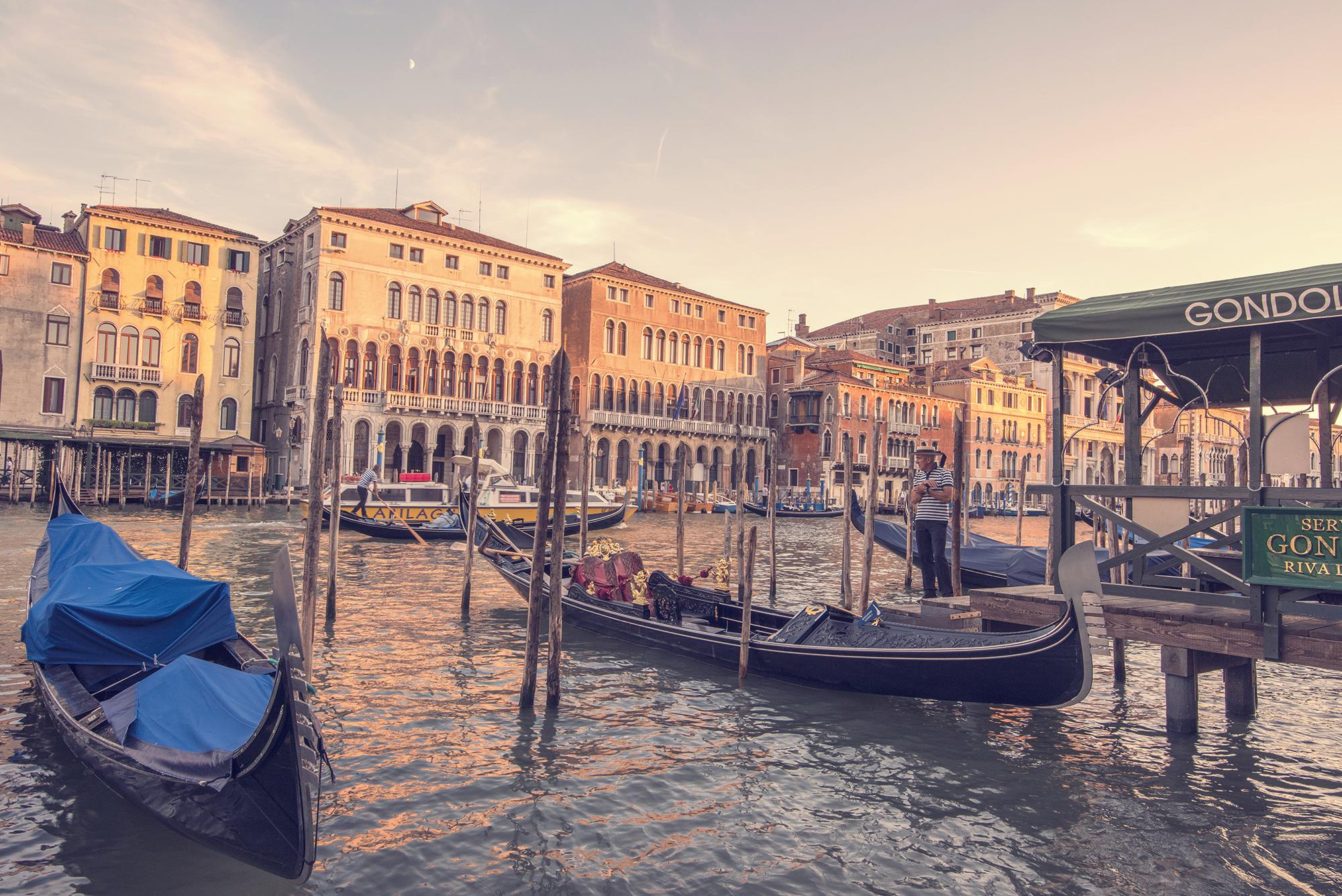 gondolas vintage