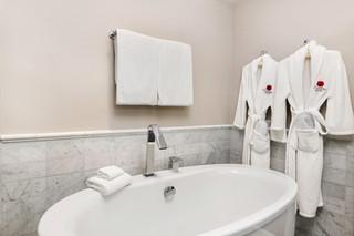 Suite Bathroom Tub.jpg