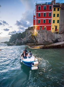water taxi leaving riomaggiore