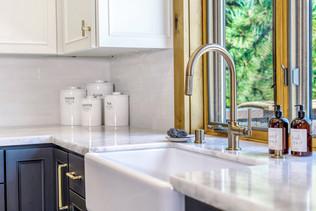 Kitchen Sink details 2 color adjustment.