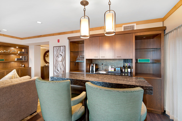 Suite Bar.jpg
