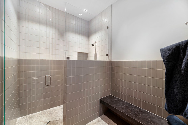 Bunk Room bathroom.jpg