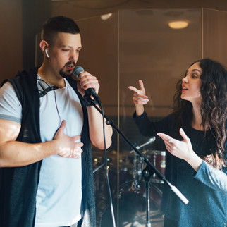 How to Become a Singer: 8 Vocal Exercise to Singing Like a Pro