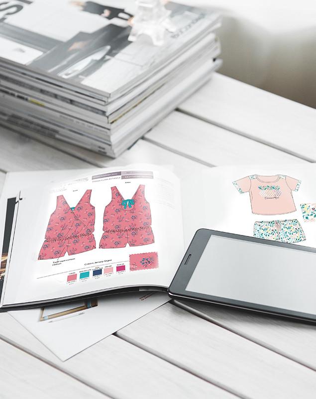 Planches de stylisme nuit femme combishort imprimé motif floral | design textile Studio Lili la Sardine styliste infographiste freelance  à Paris.