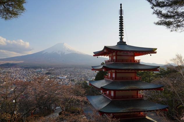 Pagode donnant sur le Mont Fuji