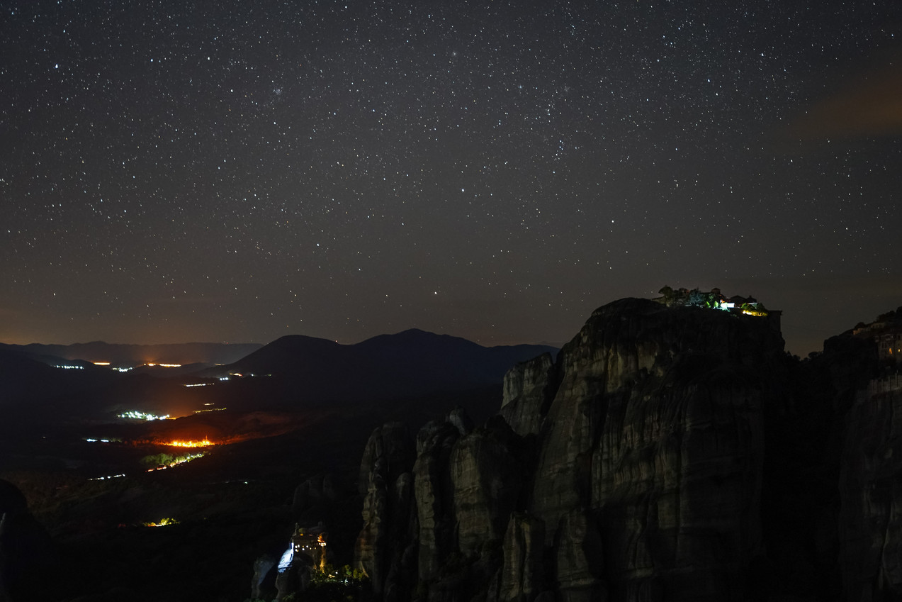Nightsky above the Meteora Monasteries