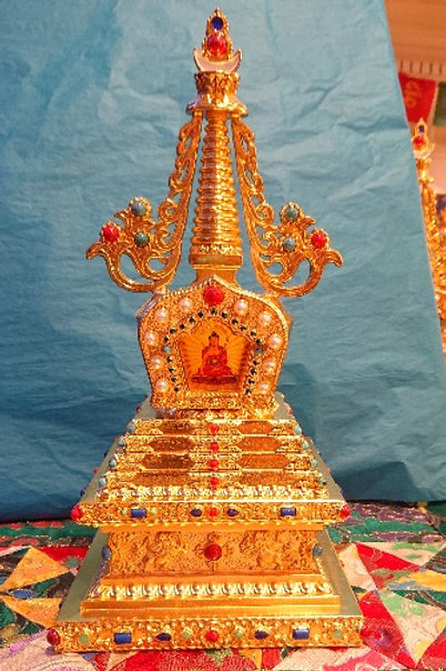 Shakyamuni Golden Stupa