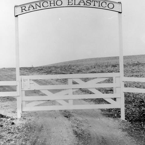 Rancho Elastico gate.jpg