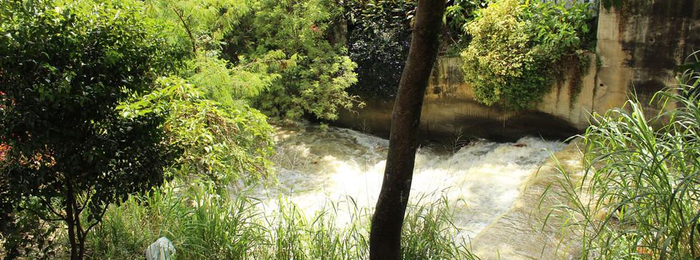 Quebrada Santa Elena frente al puente de la Toma