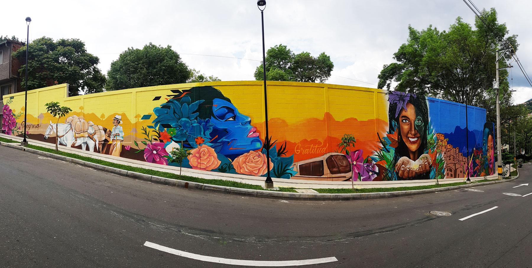 Mural frente al Centro Comercial La Central