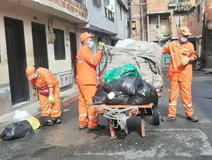 Mediante convenios sociales, Medellín genera 249 empleos para la recolección de residuos sólidos