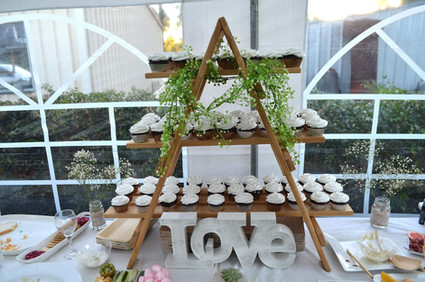 A Frame Cupcake Stand