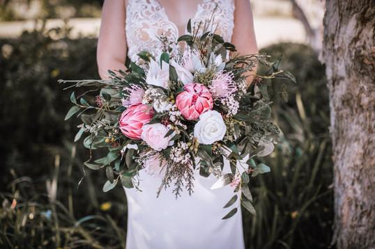 An Artificial Unstructured Native Bouquet