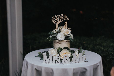 White Ivory and Green Cake Florals