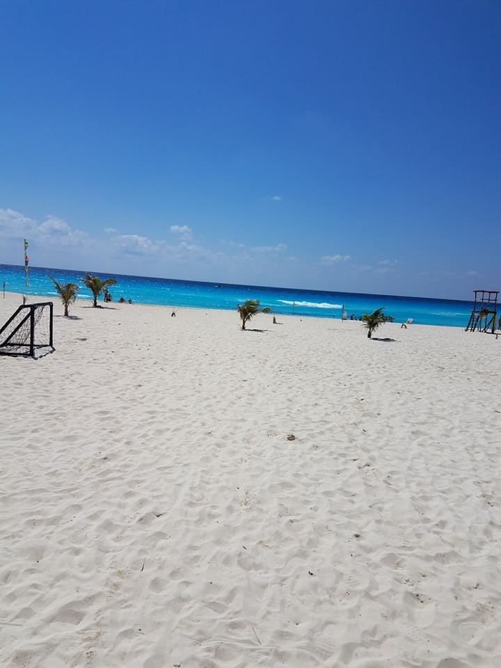 CancunBeach2