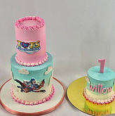 T.O.T.s cake and smash cake